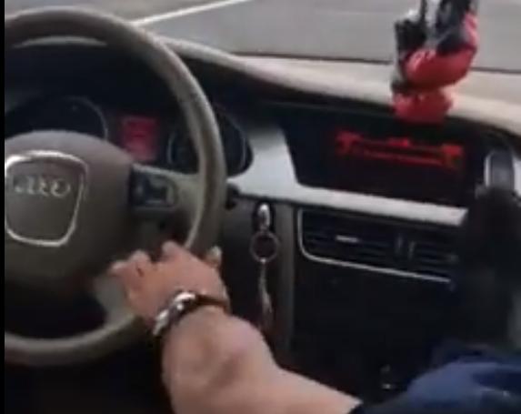 când conduc mașina am o erecție