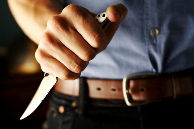 O femeie a tăiat penisul bărbatului care a încercat să o violeze - Aiudeanul Stiri