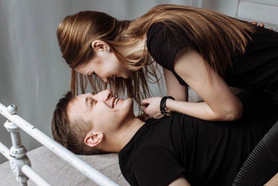 îmbrățișări erecție)