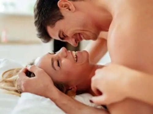cum să îmbunătățiți erecția în timpul actului sexual)