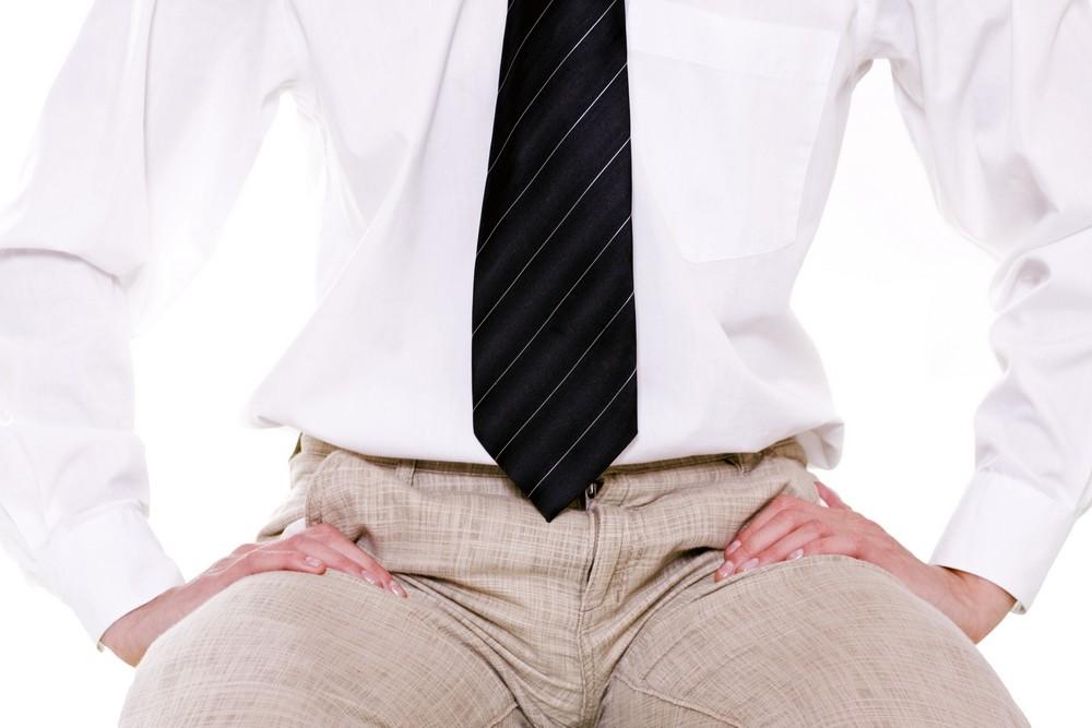 modul în care este examinat penisul la bărbați
