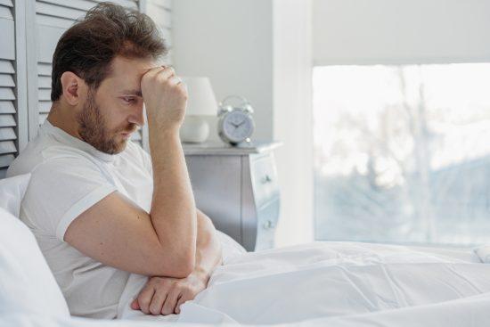 când dorm o erecție