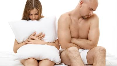 o erecție apare numai cu stimulare)