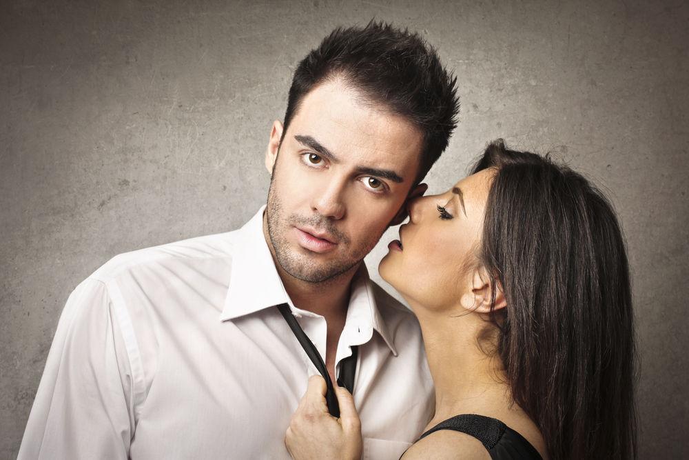 un compliment pentru o femeie o erecție la un bărbat)