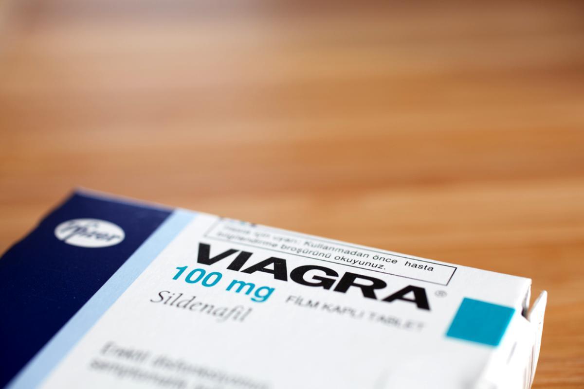 Viagra nu lasă erecția)