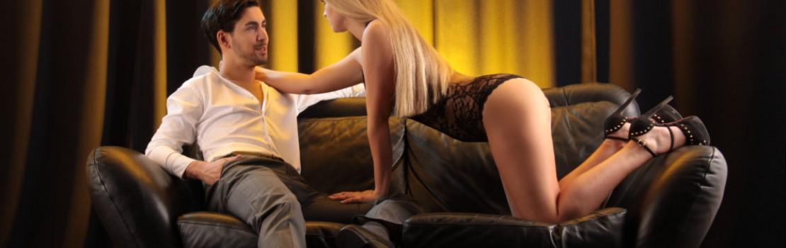 Ai penisul mic? 5 poziţii sexuale prin care să oferi orgasme explozive